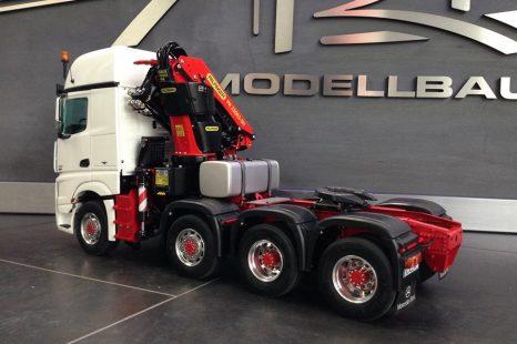 Palfinger PK23002车载起重机臂的整合与升级